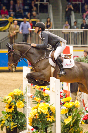 Thumbnail for Kent Farrington Wins ATCO Solutions at Spruce Masters