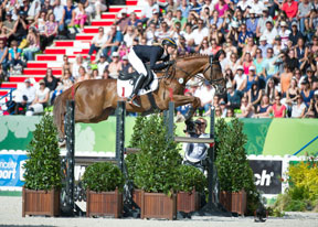 Thumbnail for Sandra Auffarth Takes Germany to the Top in WEG Eventing
