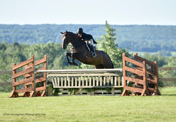 Thumbnail for Isabelle Lapierre & Carrera S Win Hunter Derby at International Bromont