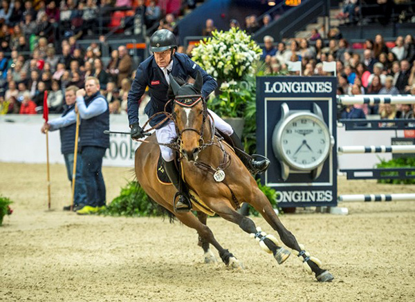 Thumbnail for Michael Whitaker Qualifies for World Cup Final at Last Longines Leg