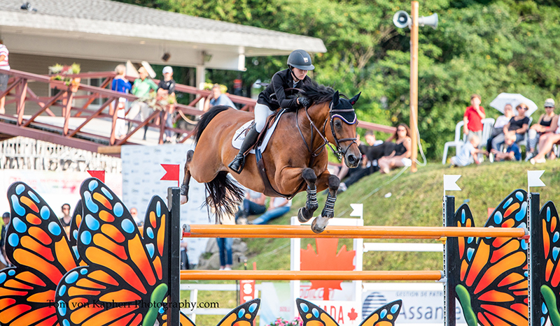 Thumbnail for Lucy Deslauriers steals the win from dad Mario in the International Bromont Classic