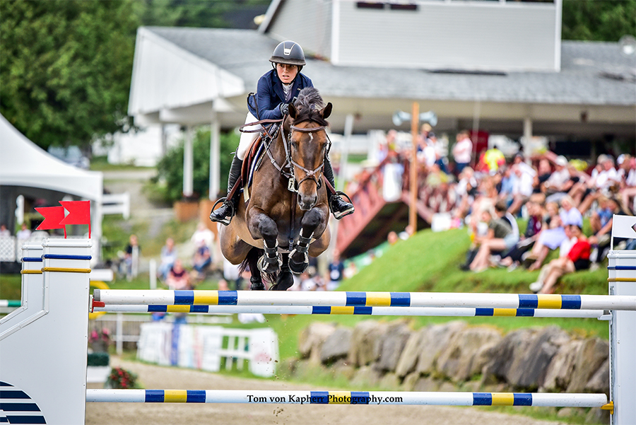 Thumbnail for Ali Ramsay and Hermelien VD Hooghoeve score a win in Bromont