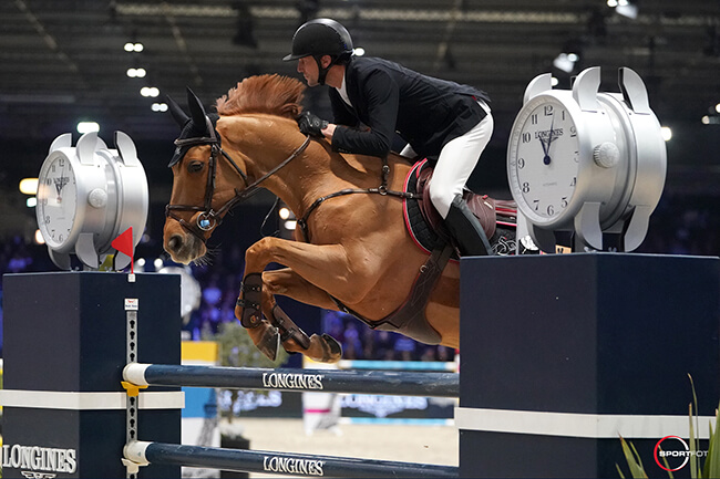 Thumbnail for Kevin Staut masters Longines Speed Challenge in Paris