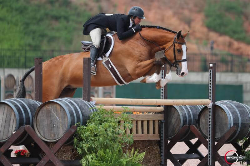 Thumbnail for Harold Chopping is Second in the USHJA International Hunter Derby