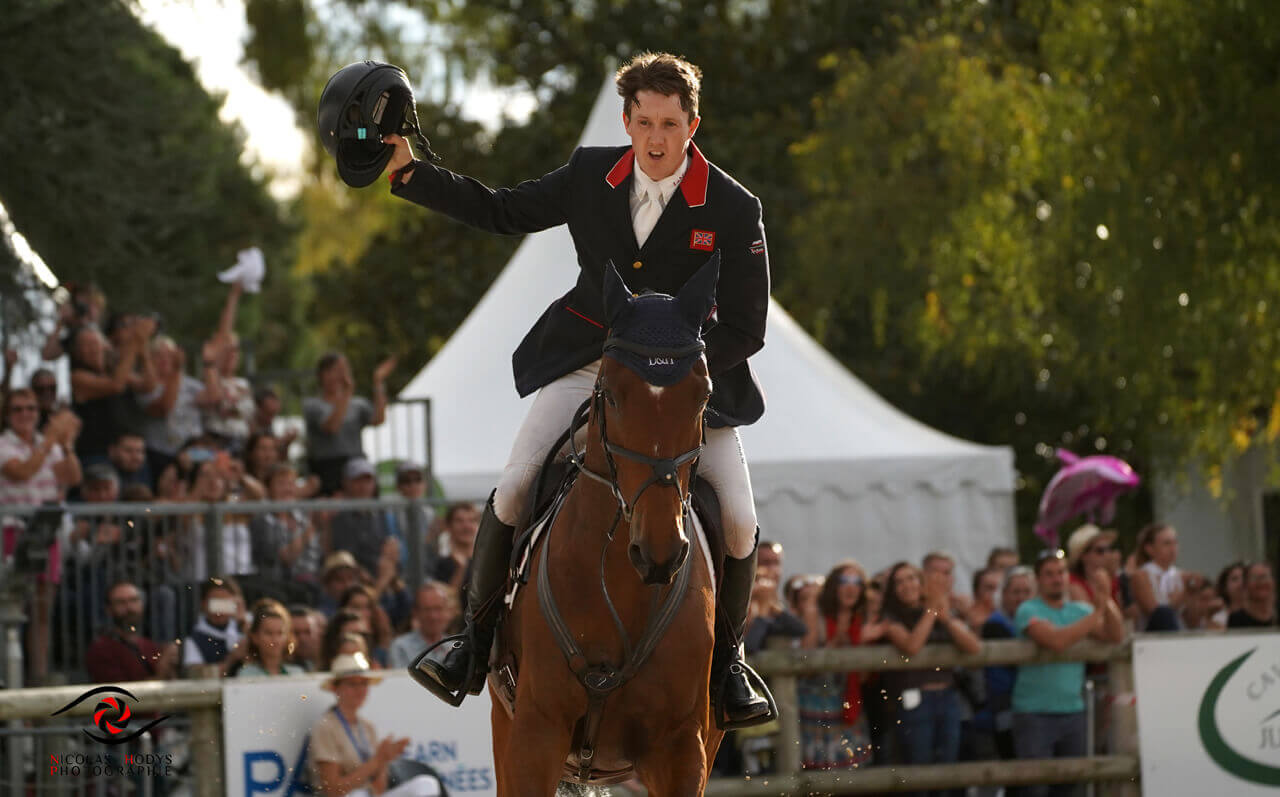 Thumbnail for Tom McEwen leads Pau CCI 5* wire to wire; Canada's Holly Jacks 12th