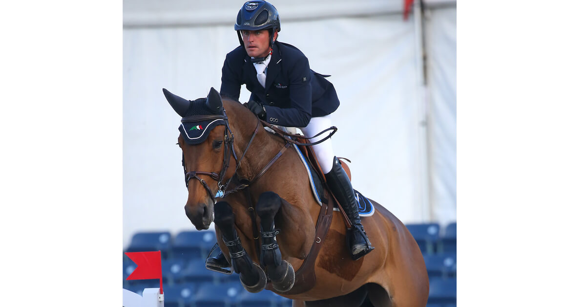 Thumbnail for Darragh Kenny wraps up WEF with win in Horseware Grand Prix