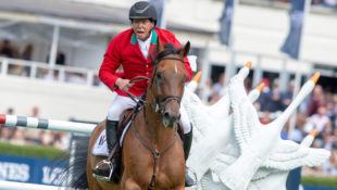 Mexico's Federico Fernandez and Landpeter de Feroleto on their way to helping seal victory in the Longines FEI Jumping Nations Cup™ at the Royal Dublin Society showgrounds in Dublin (IRL) in 2018. (FEI/Jon Stroud)