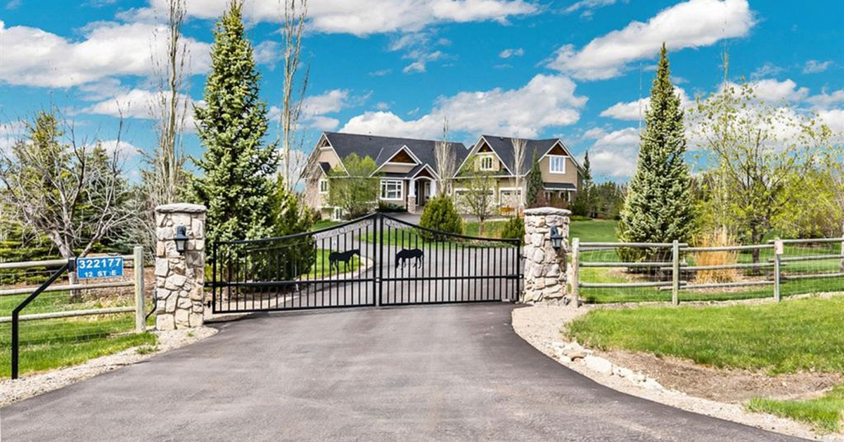 Thumbnail for $1,550,000 for an outstanding property north of Okotoks, Alberta